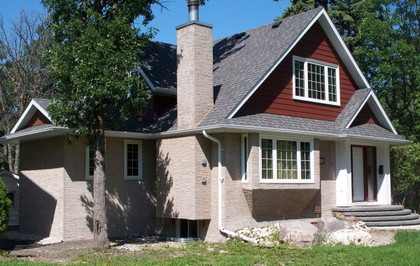 Charleswood Exterior & Garage Addition